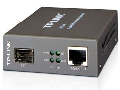 MC220L-TP-Link MC220L Gigabit SFP Media Converter hot-swappable FX port Extends fiber distance up to 0.55km on multi-mode & 10km on single-mode